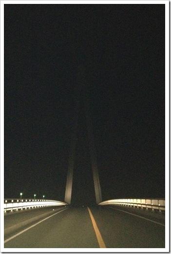深夜のマリン大橋にて・・・