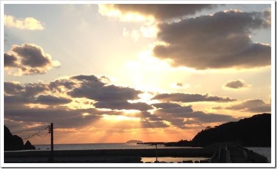 瀬戸ヶ島より夕日を望む