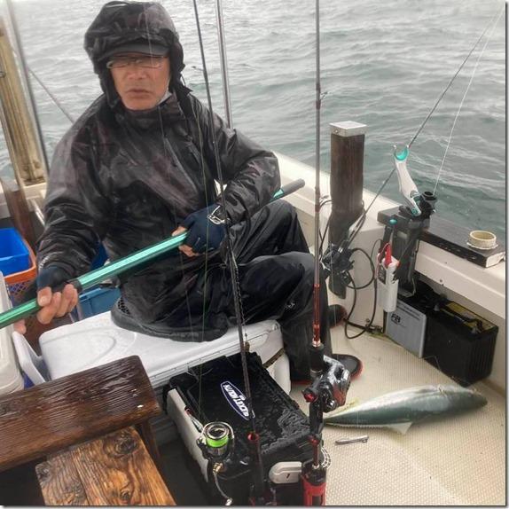 広島湾 岩国沖 ライトジギング サワラ ハマチ (15)